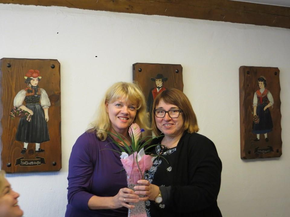 Helga Gund mit Doris Ensslin