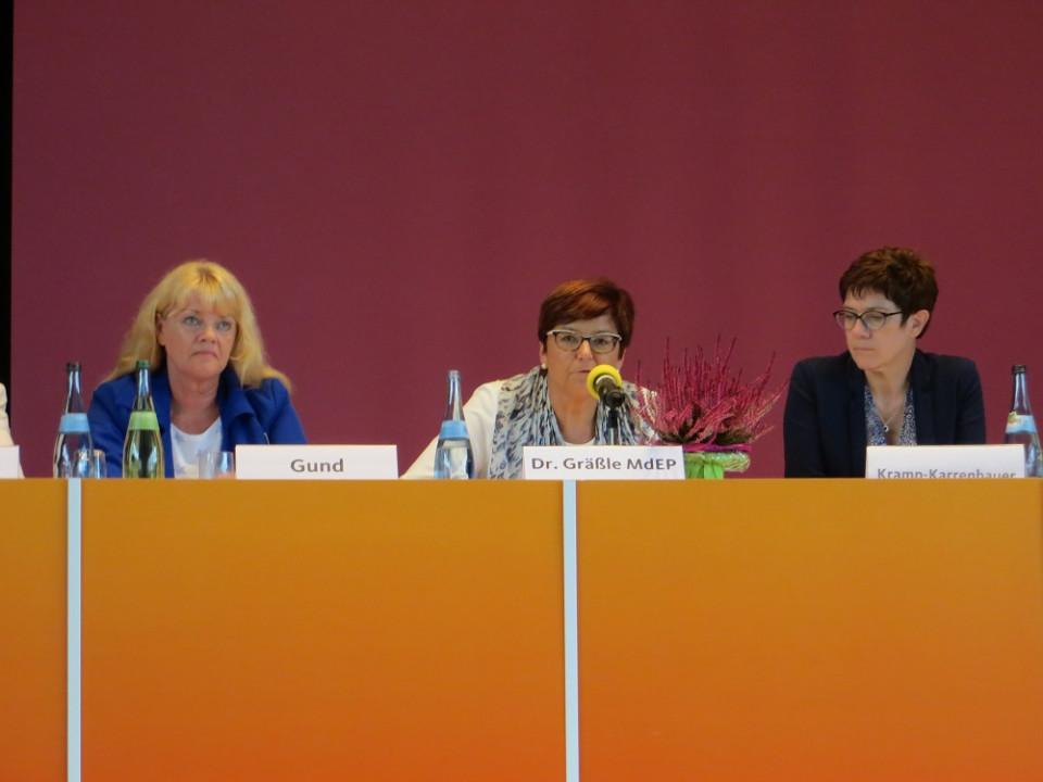 v.l.n.r. Helga Gund, stellv. Landesvorsitzende, Dr. Inge Gräßle, Landesvorsitzende, Annegret Kramp-Karrenbauer, Generalsekretärin der CDU Deutschland